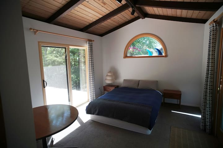 Montauk   Tiny Cottage in Private Hither Woods