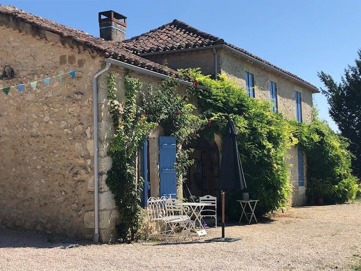 Peaceful and stylish Gascon farmhouse