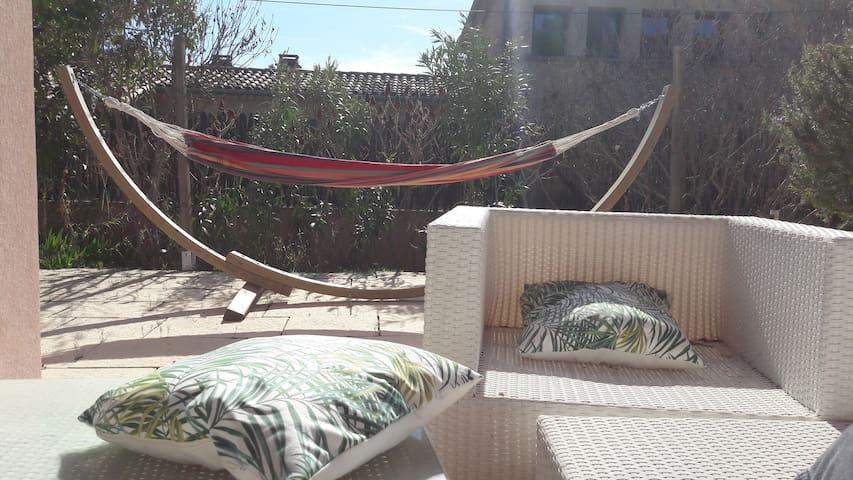 Magnifique étage prive dans villa - Coudoux - Bed & Breakfast