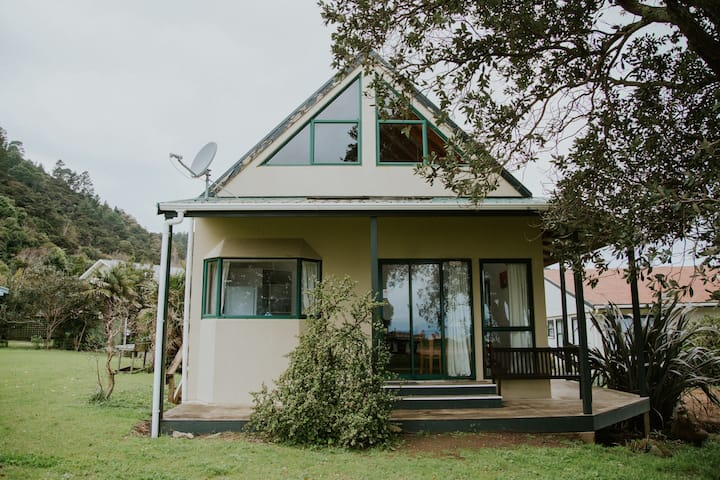 Deluxe 3 Bedroom Family House