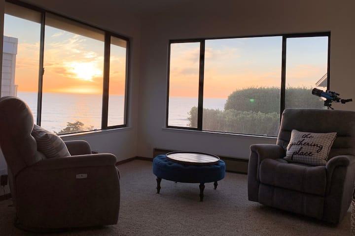 Relaxing Getaway with Breathtaking Ocean Views