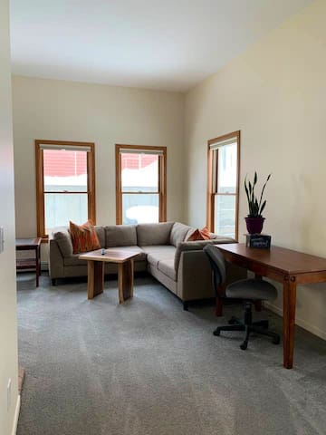 Newly Renovated Apartment in the Heart of Golden