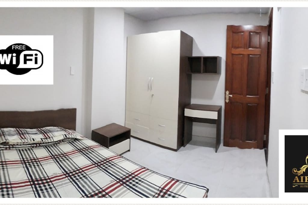 The bedroom with a comfortable queen bed size like staying in a hotel.