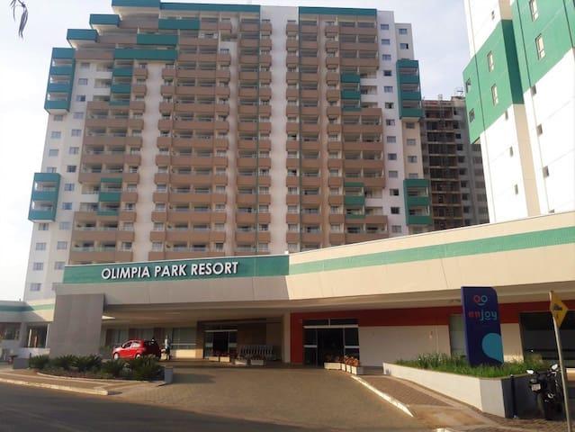 Apto 2 quartos Olimpia Park Resort