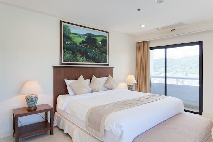 Deluxe Oceanview Residence, 2302 Patong Tower