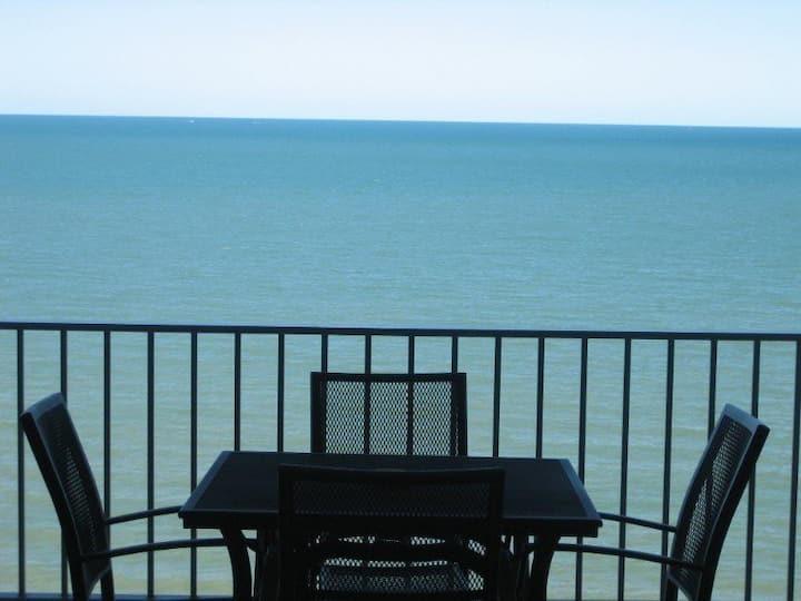 Million Dollar Ocean Views - Gateway to the Reef