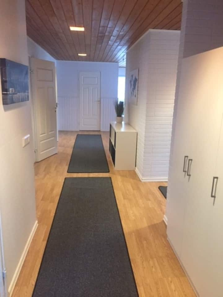 Budget accommodation near services and Meyer Werft