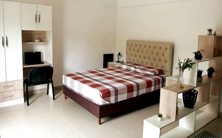 Dormitorio cama de dos plazas
