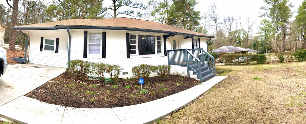 Entire Home 4 BR 2 Baths close to Downtown Decatur