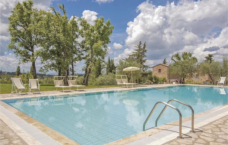 Holiday apartment with 1 bedroom on 42m² in San Donato in P. FI