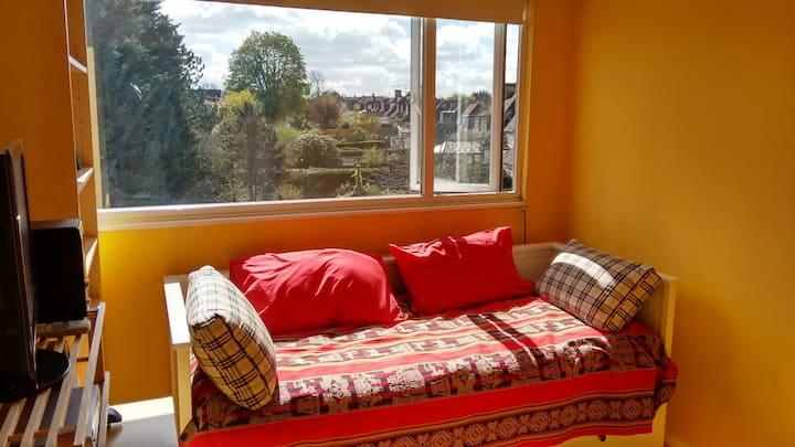 Sunny loft studio in North West London