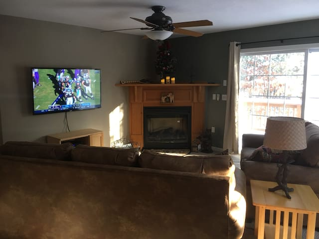 Spacious & Comfortable House Near Conway Lake