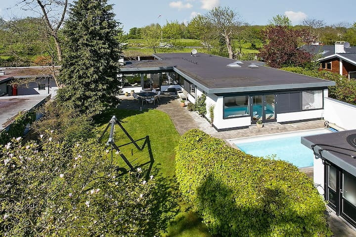 210 m2 fully equipped family house - Gentofte - Maison