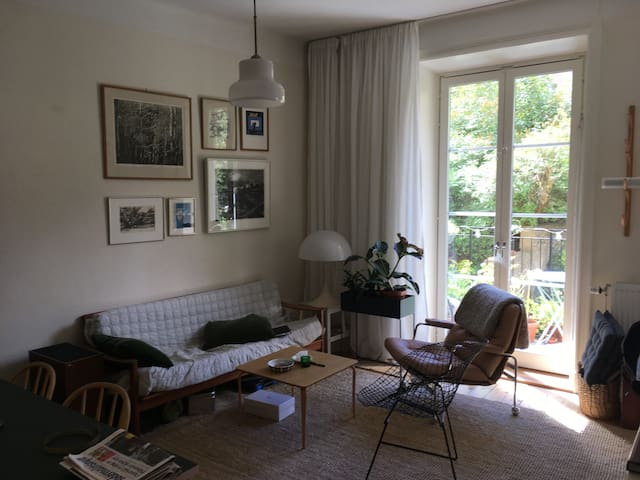 Cozy apartment with balcony - Södermalm