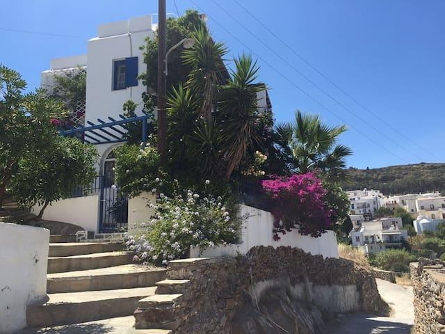 Inge´s village hause in Lefkes- Paros - Lefkes - Rumah