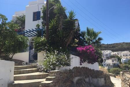 Inge´s village hause in Lefkes- Paros - Lefkes - Casa