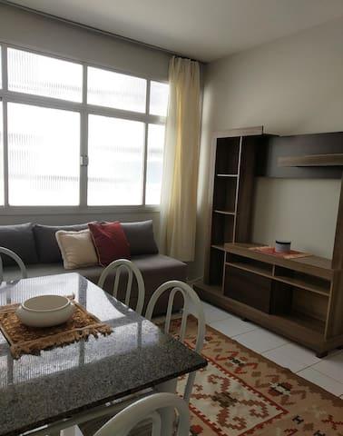 Ótimo apartamento a uma quadra da  Praia da Costa