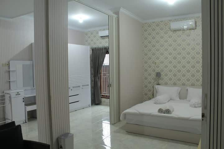 A  modern  3 pax family studio at prime area