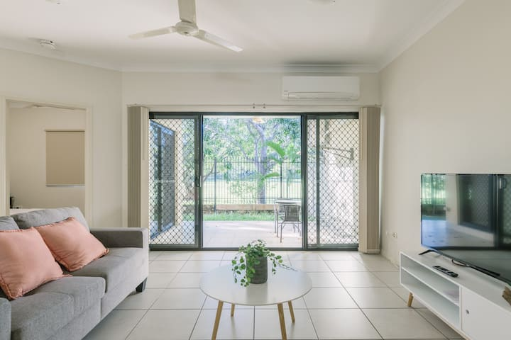 Secure 2 bed unit in Gray - close Palmerston City