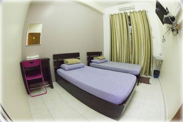 Warni Villa 8 (Room 1)
