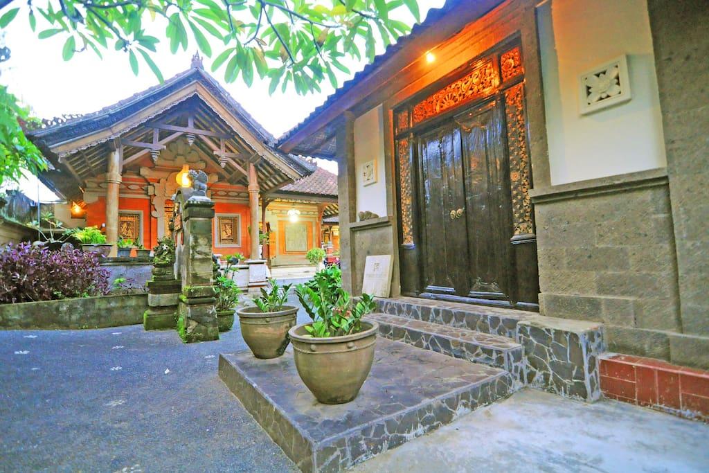 Sentaya Balinese Compound