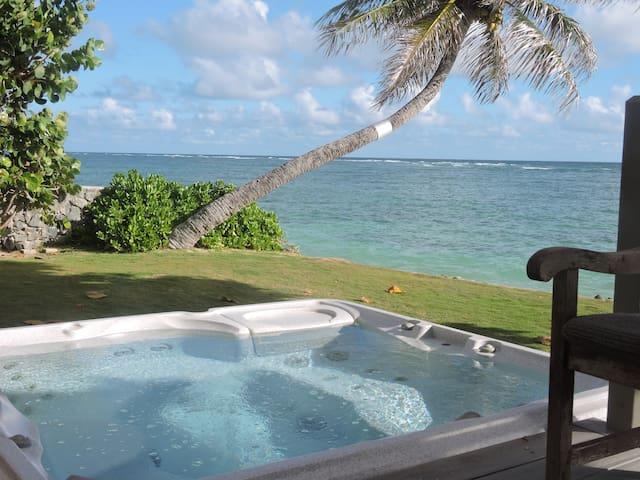 Beachfront Couple's Retreat on Windward Oahu