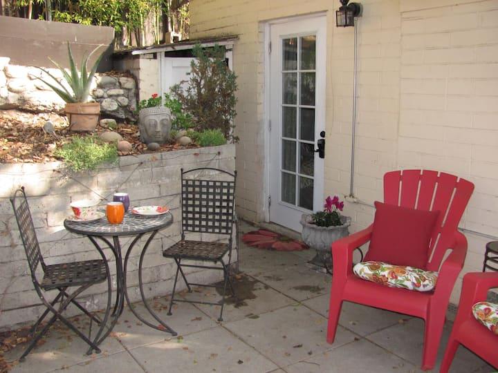 Garden Guest Quarters Private Entrance