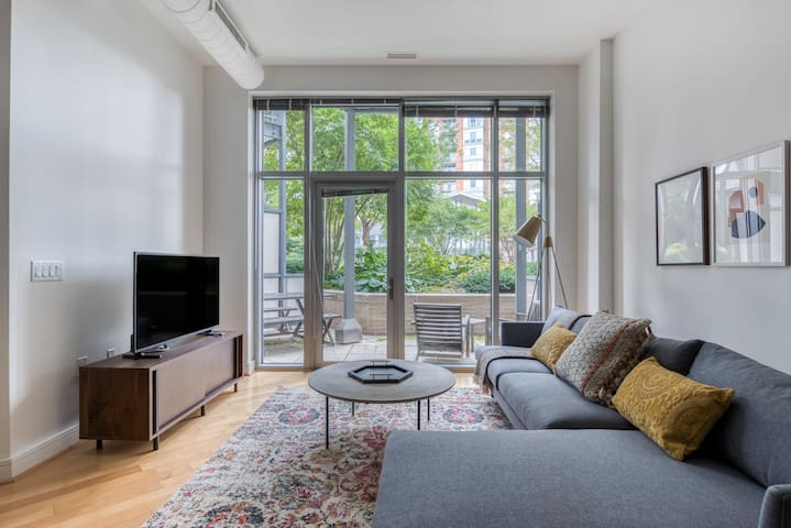 Charming 1BR in McLean, Parking + Pet-Friendly