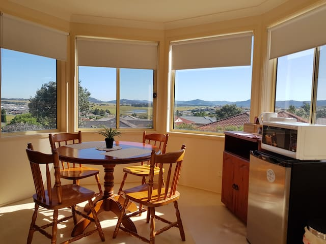 Hunter Valley Holiday - Master Bedroom with View