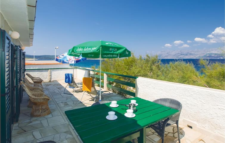 Holiday apartment for 4 with beautiful terrasse