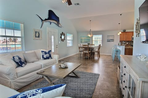 The Surfin' Sailfish- *Private Pool and Golf Cart