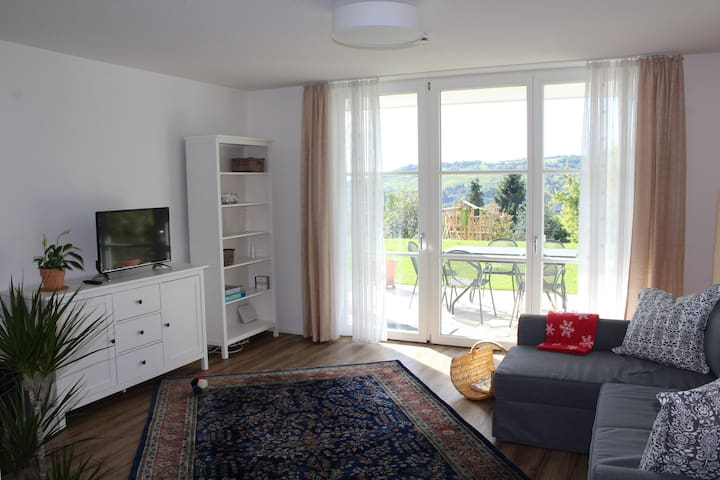 Auf 110qm großzügig leben mit Fernblick (=80qm) - Lörrach - Apartment