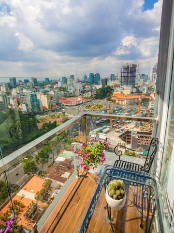 HEMERA- Balcony Room with Ben Thanh Market view. - Ho Chi Minh City - Apartment