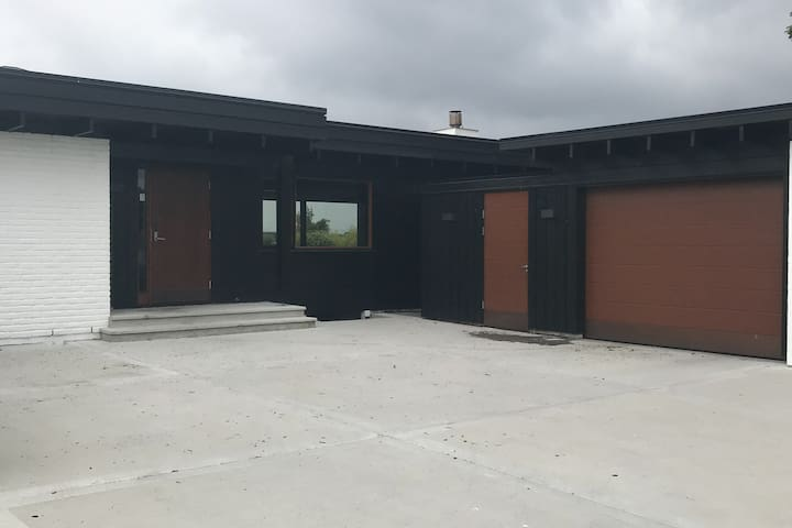 Lekker arkitekt tegnet villa på solrik tomt