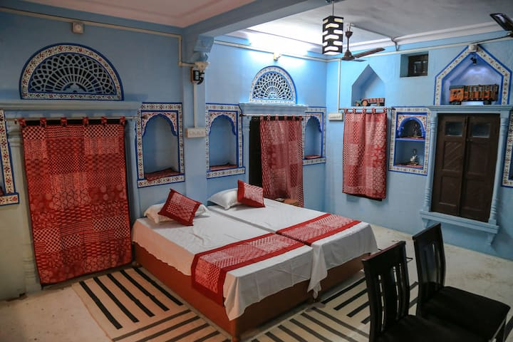 Beautiful suit room in the oldest part of Jodhpur