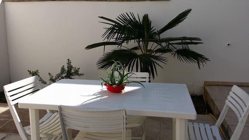 Casa vacanze GIARDINO ROSSO