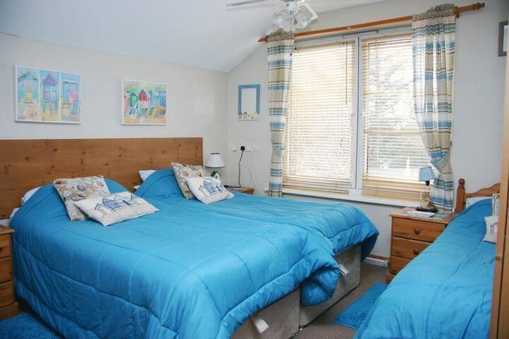 Apple Tree Cottage - Lee-on-the-Solent - Bed & Breakfast