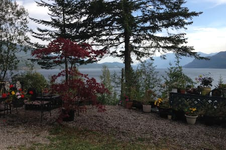 Kemar's Kootenay Lake Getaway - Ainsworth Hot Springs