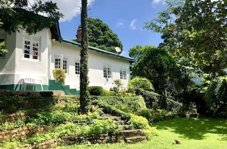 Gammaduwa Colonial Bungalow and Tea Estate.