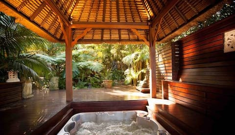 Romantic Getaway for Couples with Private Spa