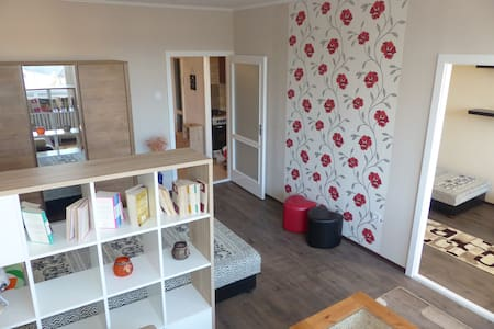 Family friendly flat with balcony - Eger - Pis