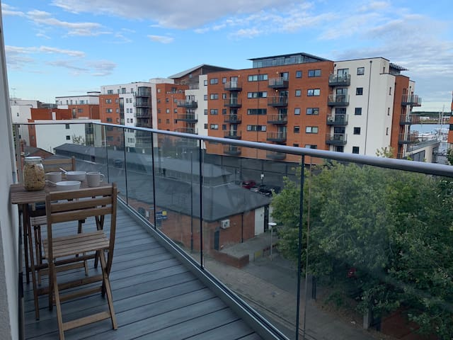 Modern apartment, large balcony with parking