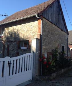 Maisonnette 15 mn au sud de Chartres