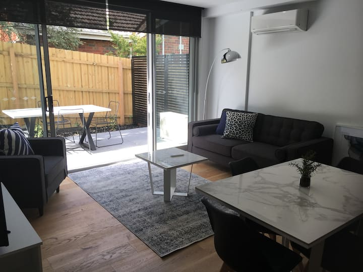 3 BEDROOM APARTMENT - ACROSS RD FROM HOSPITALS
