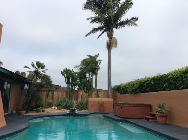 Home with pool and spa near the ocean - Newport Beach - House