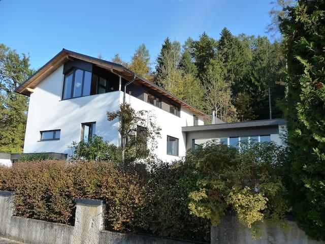 Gästewohnung am Stadtrand von Salzburg - Esch - Wohnung