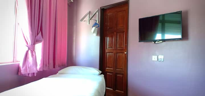 Purple dream home single room 2 with extra bed