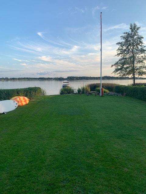 Huset ved søen tæt på Herning og MCH