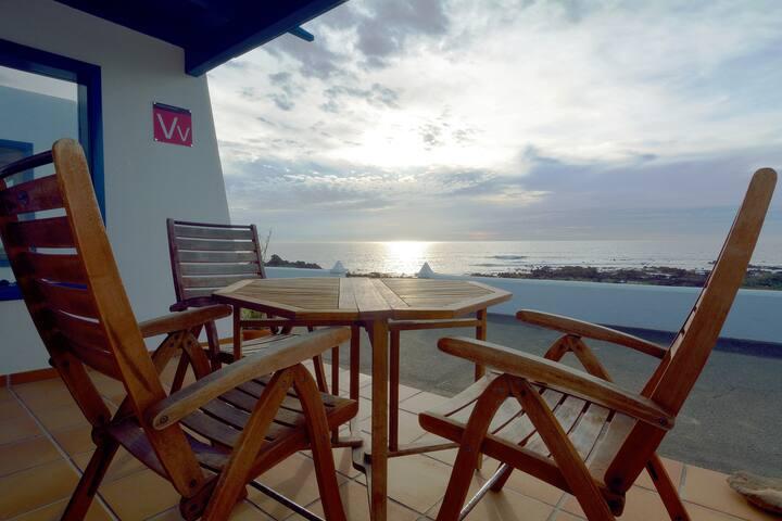 Sea Side Punta Mujeres 2 bedrooms and Sea Views!