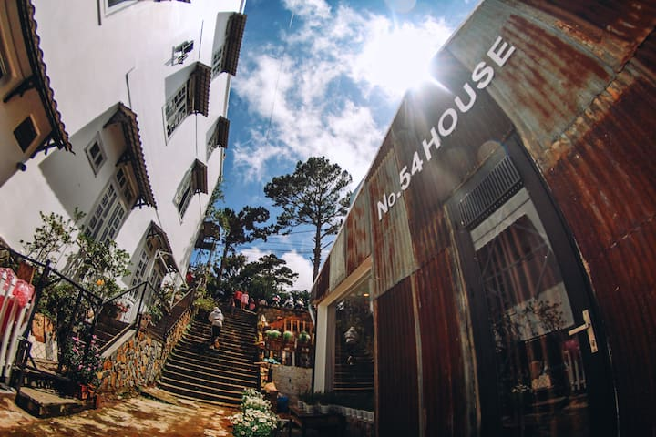 No.54 HOUSE- HOME's in the heart of DALAT